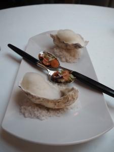Amuse-bouce: østers med grapefrukt og sik med syltede gulrøtter