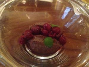 Dessert Sjokolademousse med moreller