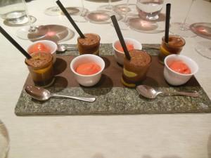 Petit four Sitron- og sjokoladeskum og jordbærsorbet