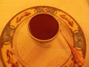 Predessert: Sjokolademousse med kirsebær