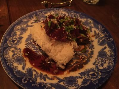 Rett 3 Vågehval med sticky rice, soyasaus og sesamfrø