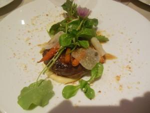Rett 9 Due med sennep, potetpuré og grønnsaker