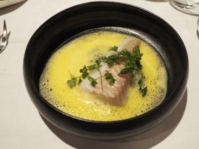 Ukjent fisk i safransaus