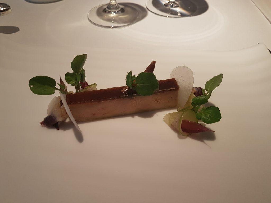 Foie gras, eple og nepe