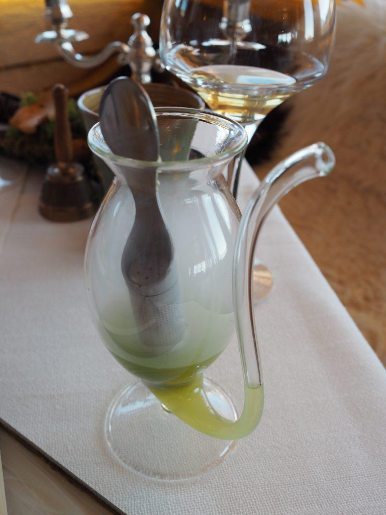 En kald urtedrikk til desserten