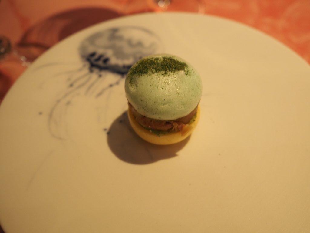 Amuse-bouche, yuzu foie og eple
