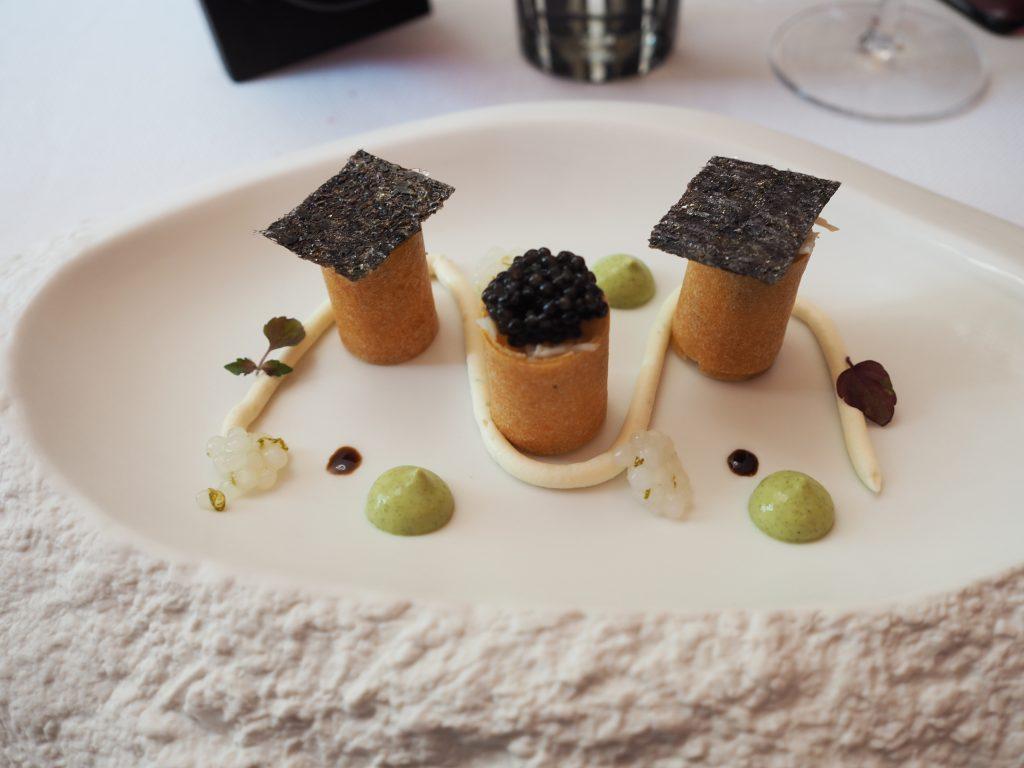Krabbe, shiso og kaviar