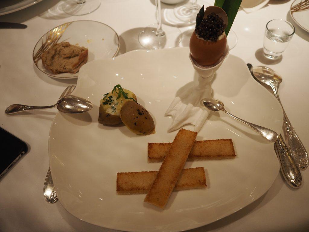 Egg, Osciètre-kaviar og asparges