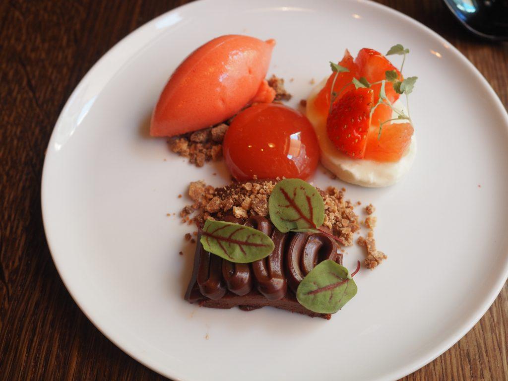 Sjokolade, jordbær og blodappelsin